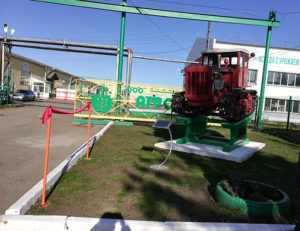 Памятник трактору ДТ-54А