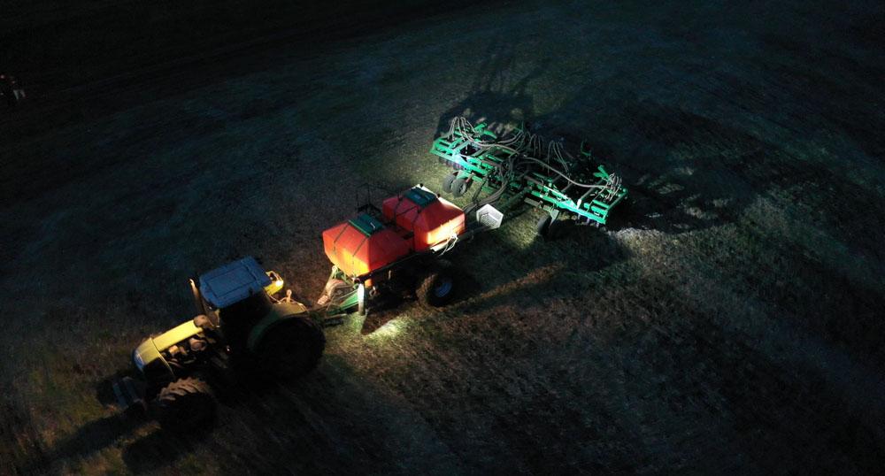 Ночное освещение для посевного комплекса